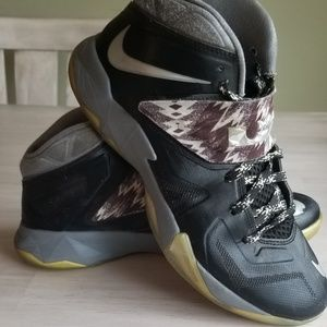Nike Shoes - Mens Lebron Nike sneakers